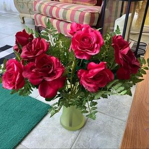 Silk Red and Pink Rose Arrangement 🌹